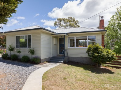 19 gravelly beach road