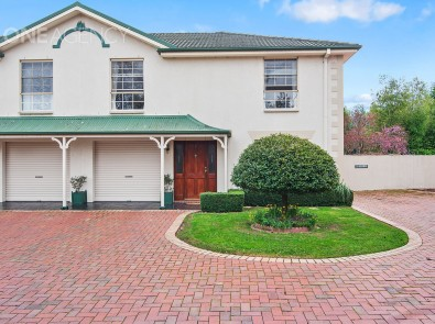 2/76 country club av